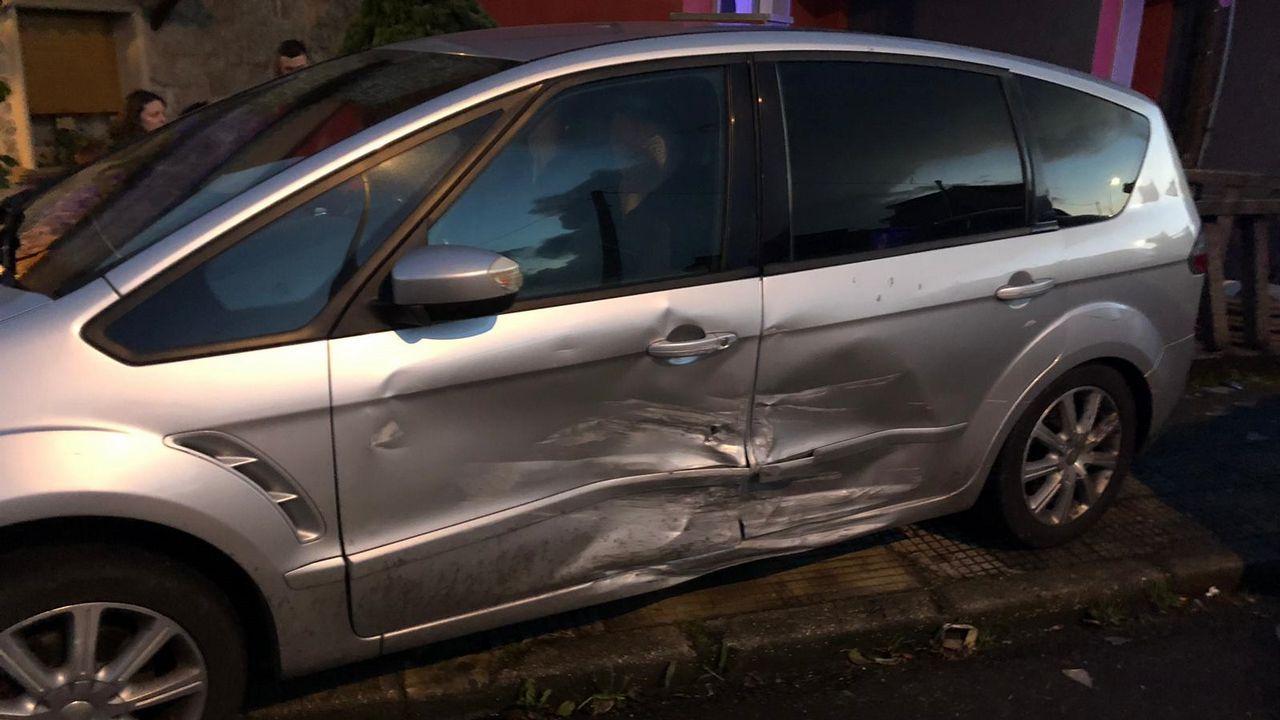 Accidente mortal en Arbo.Imagen del vehículo accidentado en la A-8