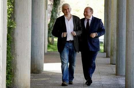 José Manuel Traba (izquierda), al declarar como testigo en el caso Carril en junio del 2013.