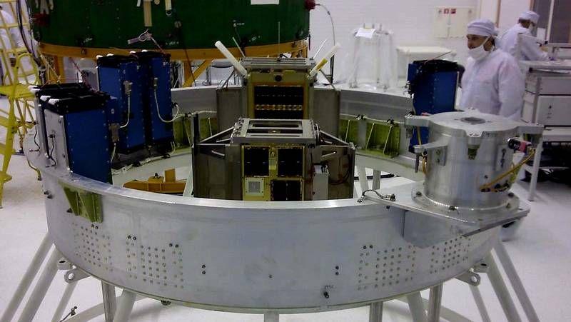 El segundo satélite gallego en el espacio.La Domus inauguró una muestra sobre este proyecto.
