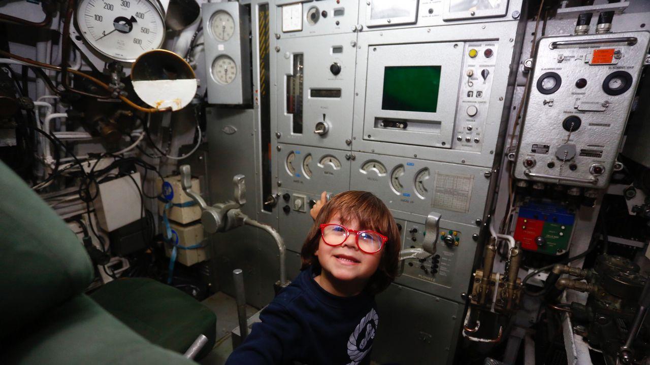Visita a un submarino de la Escuela Naval.Jorge Godás empezó a componer a los 15 años
