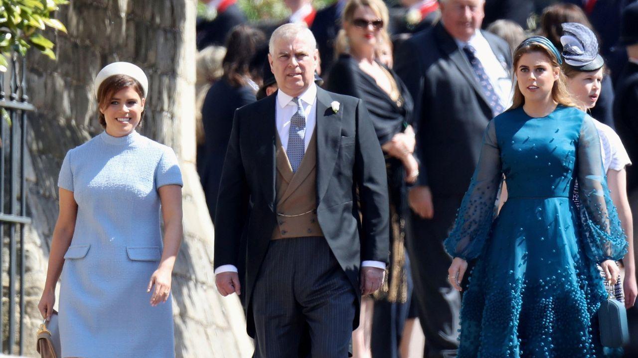 Resumen de la Copa Davis.Las princesas Eugenia y Beatriz, con el príncipe Andrés.