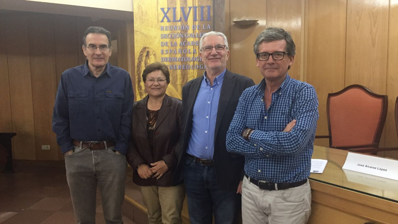 La biblioteca de Ourense es frecuentada estos días por opositores que preparan los exámenes