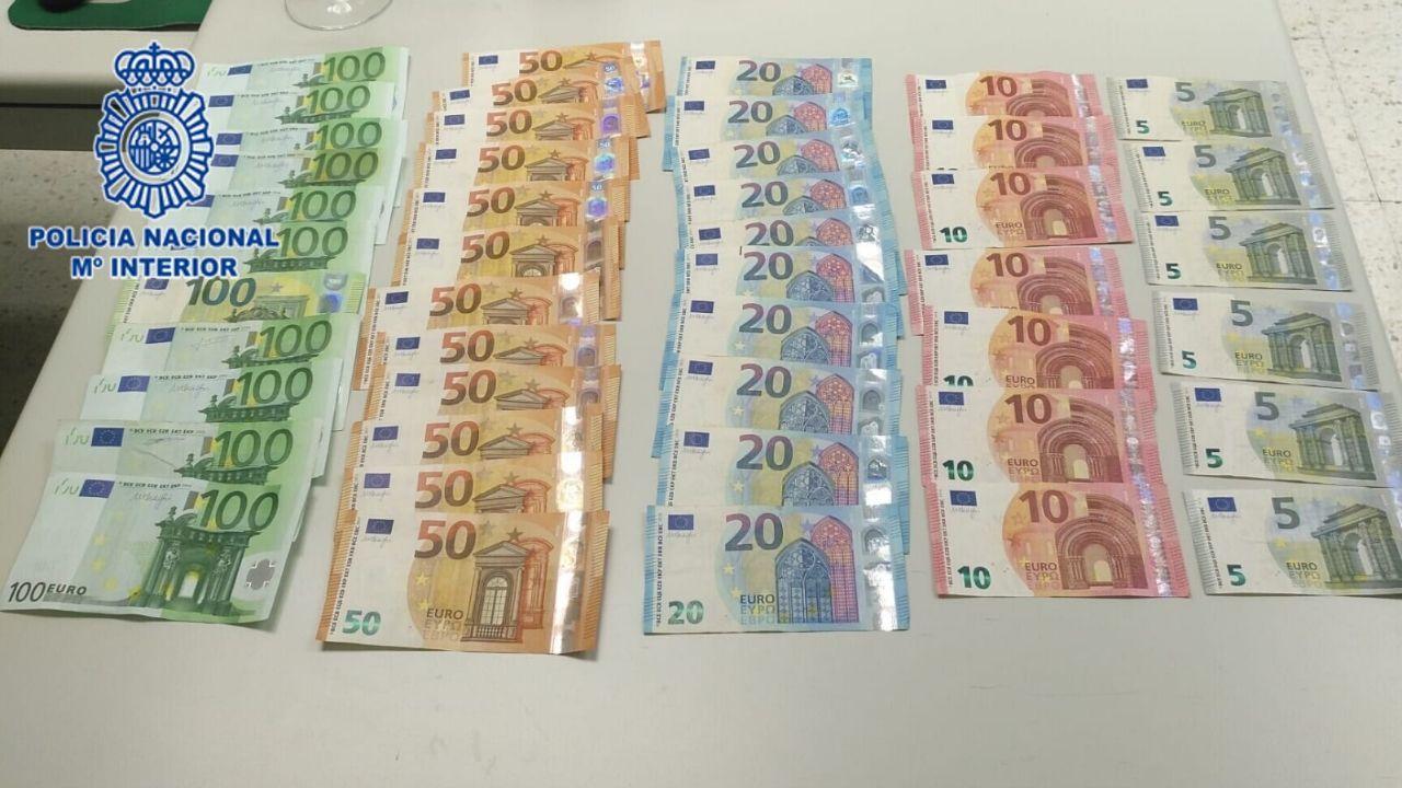 Termómetro en Oviedo.Los 2.000 euros recuperados por la Policía en Gijón