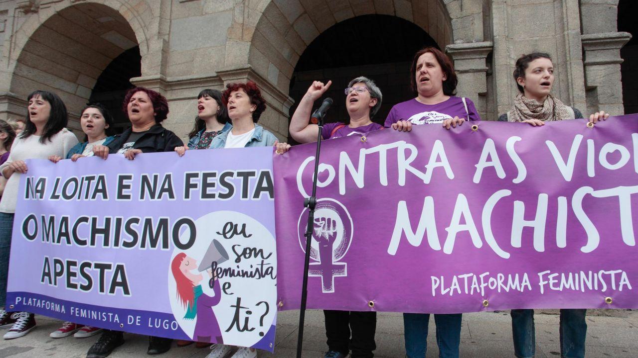 Así serán las caldas de Lugo.Miembros de la corporación de Lugo ante la Casa Consitorial