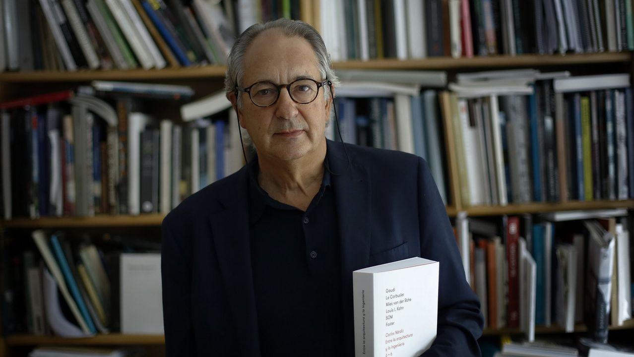 Una de la zona de la ORA en Gijón.Manuel Blanco Desar, autor del libro «Galicia: un pobo con futuro»