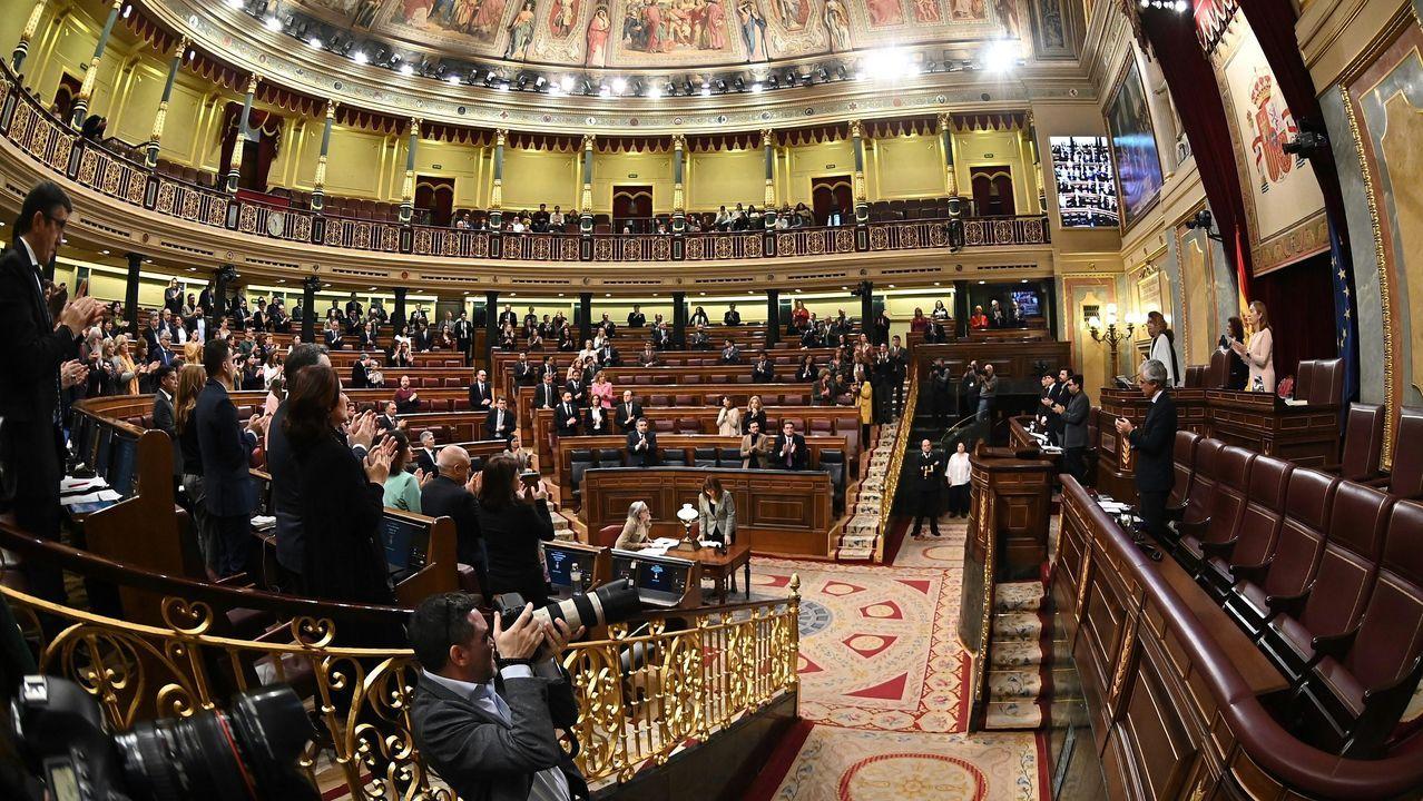 Los diputados guardan un minuto de silencio por el ex ministro de Exteriores, Fernando Morán -que falleció hoy a los 93 años-, durante la sesión de control celebrada este miércoles en el Congreso.