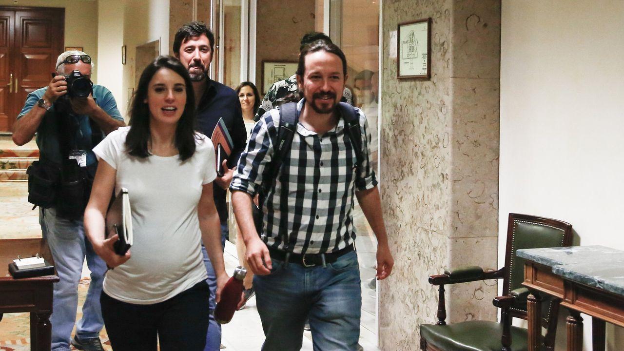 El secretario general de Unidas Podemos, Pablo Iglesias, y la portavoz parlamentaria de Unidas Podemos, Irene Montero, a su llegada a la reunión de la mesa política del Grupo Confederal del partido el viernes