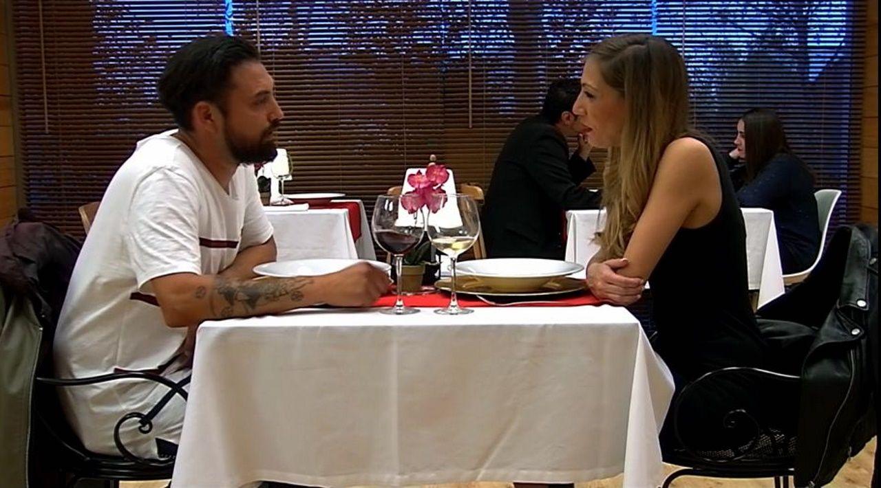 Cristian y Cristina durante la grabación del primer programa de «First Dates» cuando se conocieron hace cinco años