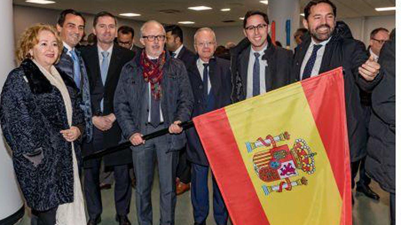 Los representantes de los seis concesionarios españoles, entre ellos los asturianos de Leomotor y Norte Motor, que fueron premiados por Renault