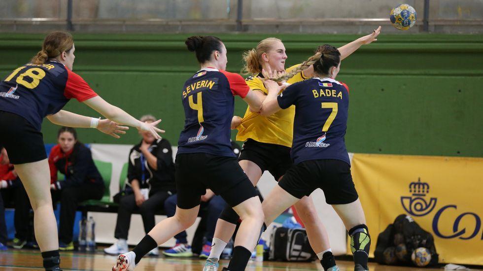 La selección española de balonmano femenino junior disputará el campeonato de europa.Liliana Córdova, en un momento de su charla en Gijón