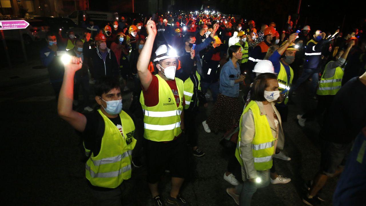 Los trabajadores de Alcoa San Cibrao cortan el tráfico en O Castelo
