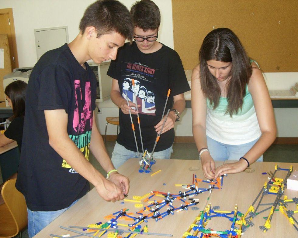 Jóvenes coruñeses se forman y divierten en los campus que promueve la obra social La Caixa.
