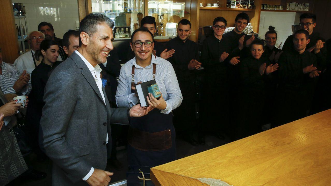 El chef Paco Roncero visita las cocinas del CEFP Compostela hostelería en su 50 aniversario.Oxana, concursante asturiana de «MasterCherf»