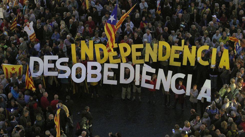 Nueva operación policial contra la familia Pujol.Concentración ante el ayuntamiento de Barcelona tras la declaración de los imputados el pasado martes