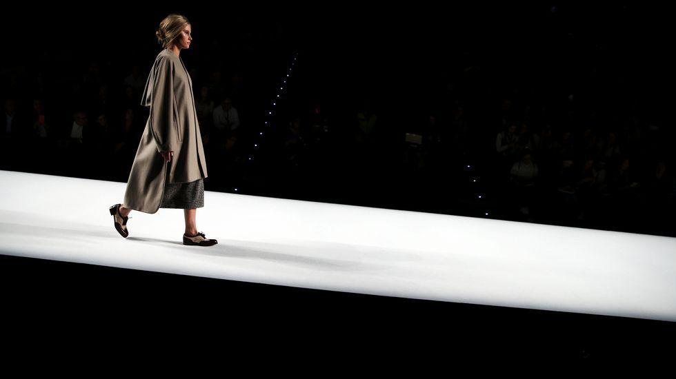 Los diseños Ágatha Ruiz de la Praday Angel Schlesser, en la Madrid Fashion Week.Escanciador de sidra