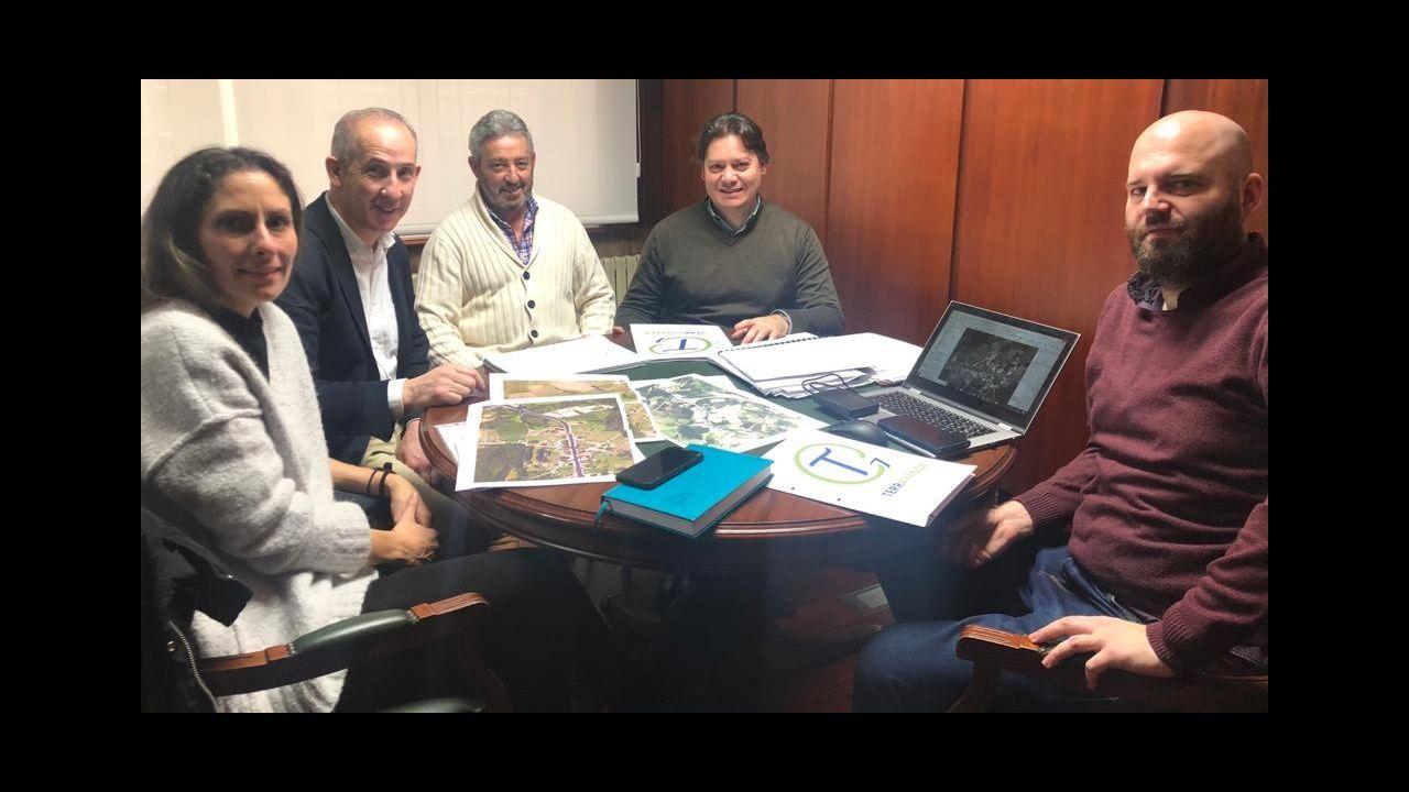¡Mira aquí las imágenes del simulacro de la UME en Noia!.El fiscal Álvaro García Ortiz, en su despacho de los juzgados de Santiago