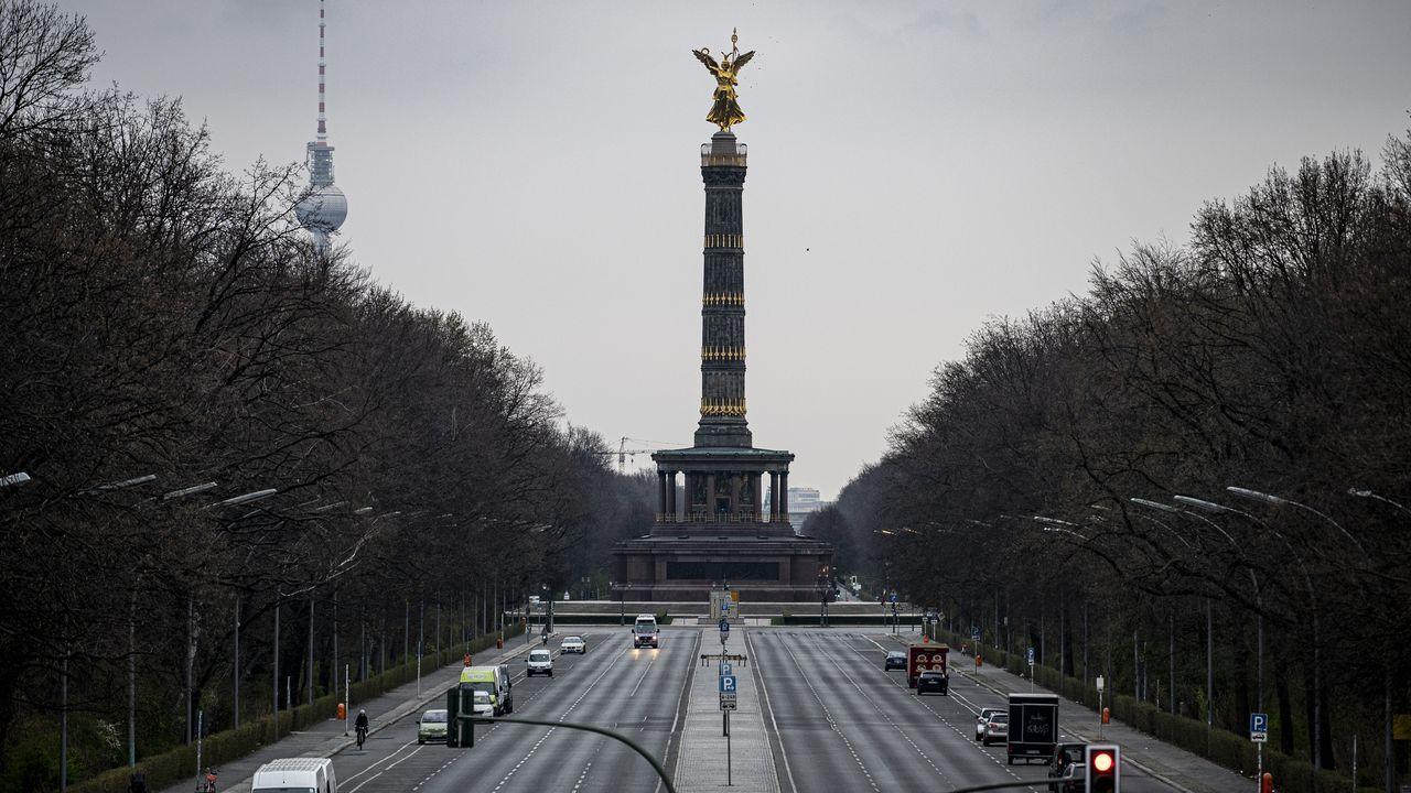 Calles de Berlín, sin apenas tráfico.