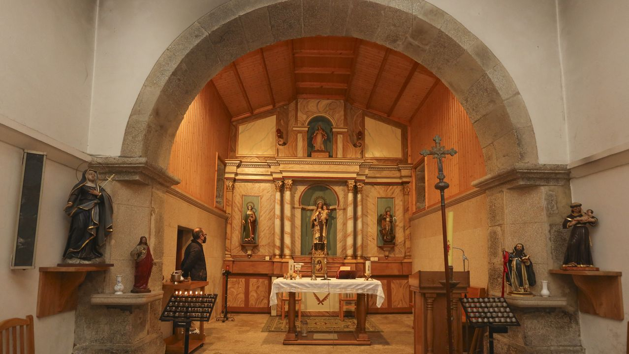El retablo de la iglesia de Aldemunde (Carballo) ya está listo