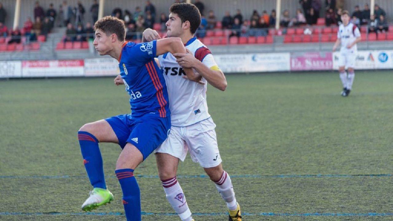 Javi Cueto en un TSK Roces-Oviedo juvenil