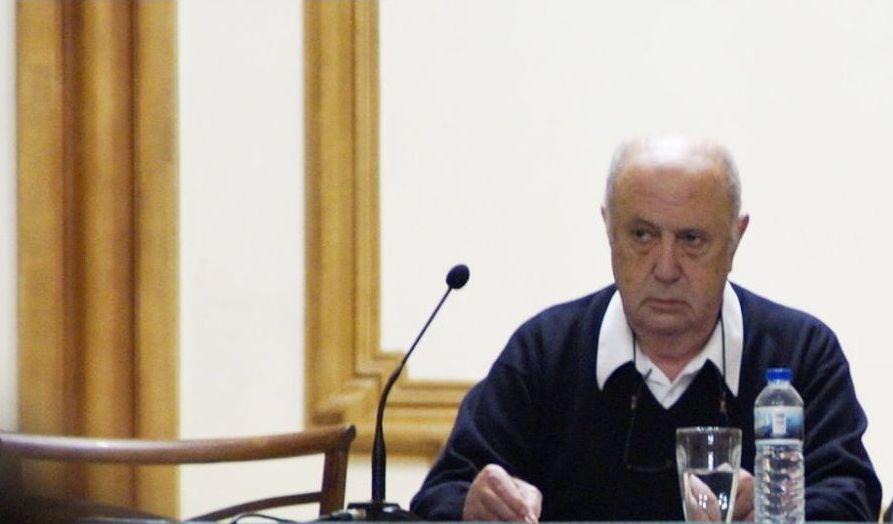 Méndez Ferrín, na conferencia en Ourense