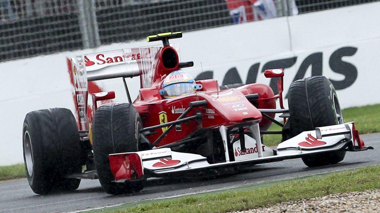 El Ferrari de Alonso durante un gran premio de Australia