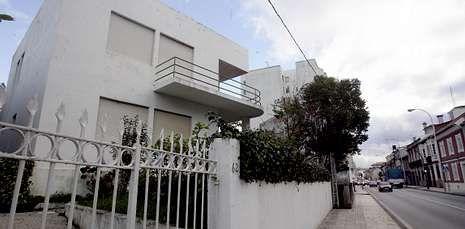 La vivienda, ubicada en Rosalía de Castro, data de 1939 y fue diseñada por Juan Argentí.