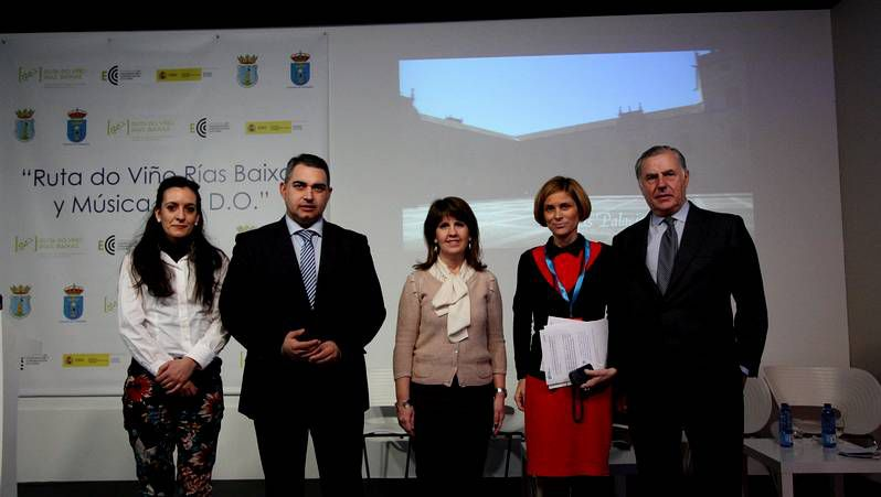 Ainhoa Sánchez, con Karlos Arguiñano y Eva Arguiñano.