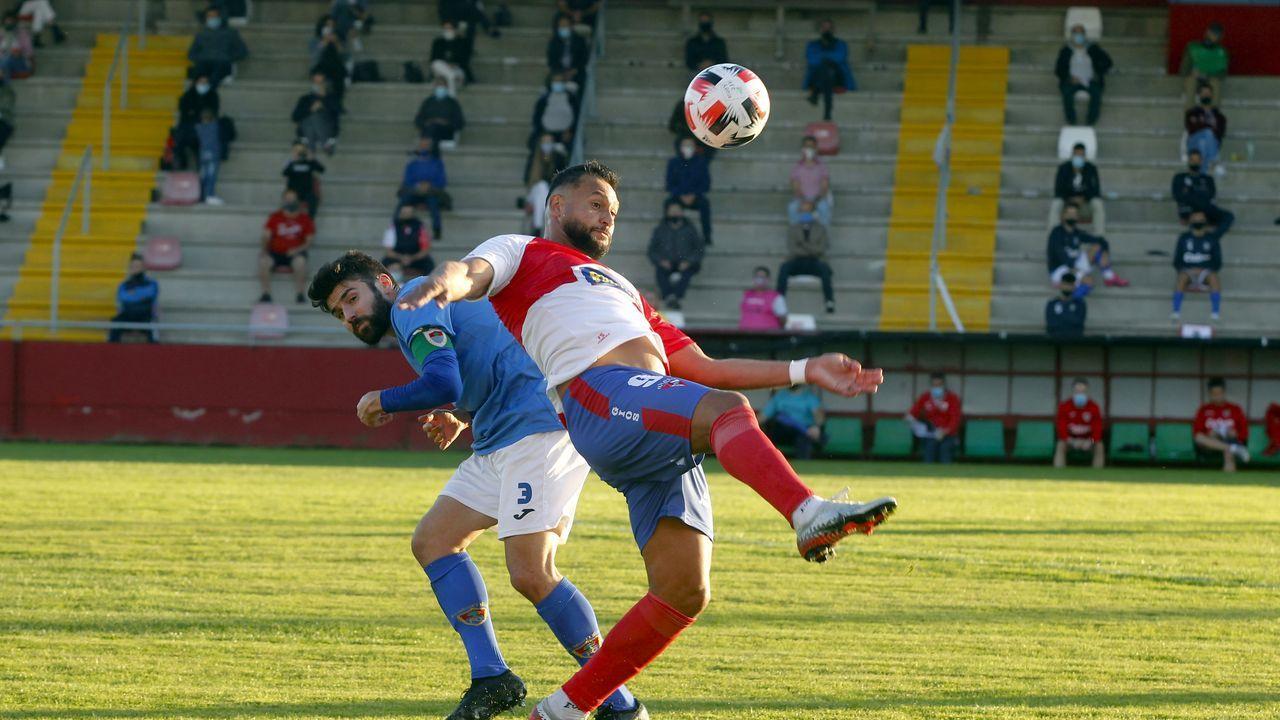 Las imágenes del partido entre el Pontevedra y el Celta B