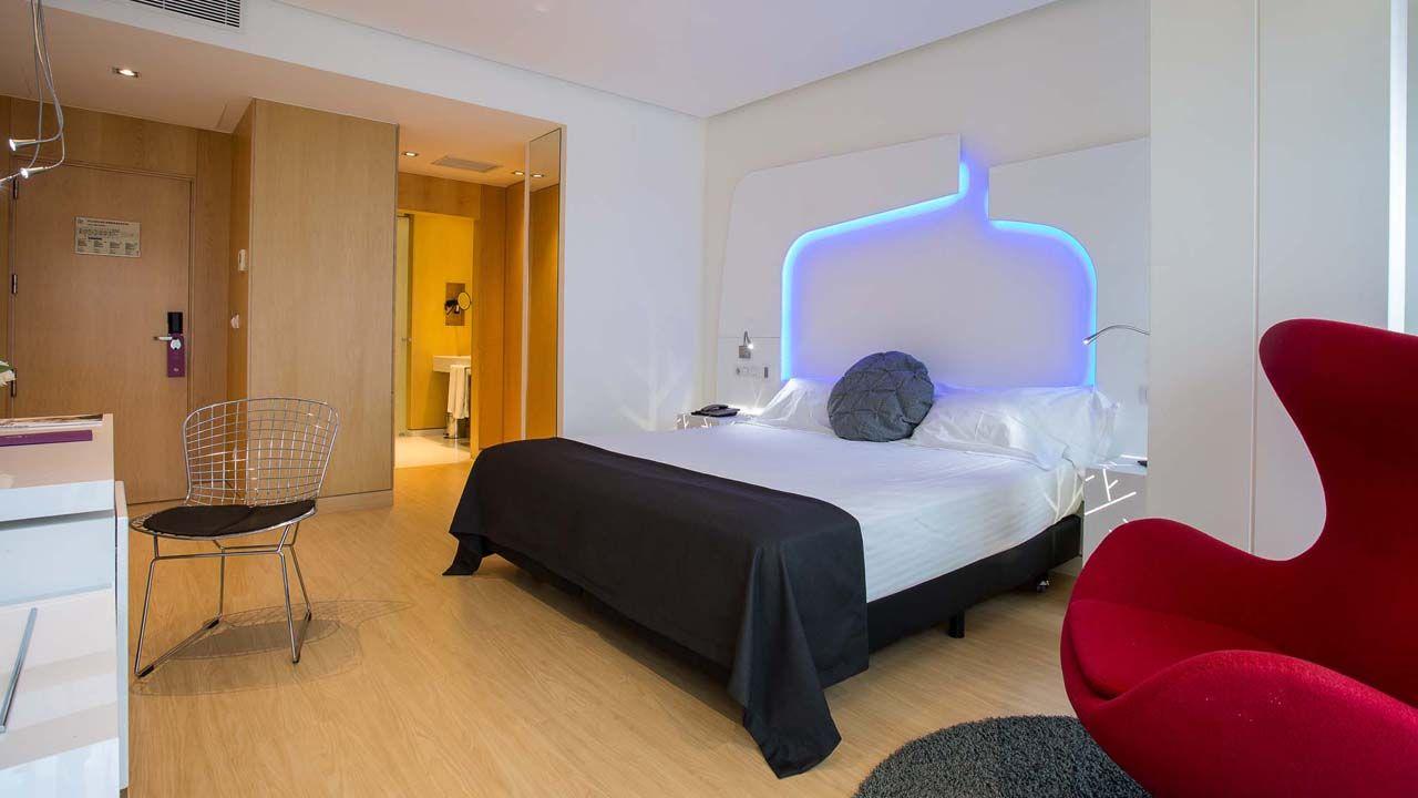 Una habitación del hotel Ayre