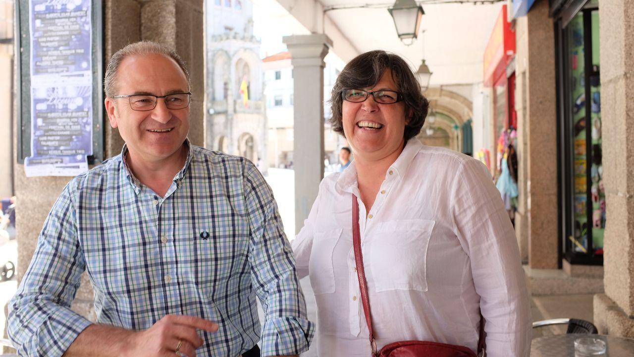 Mochila para sordos.Carrera respaldó a la socialista Eva García de la Torre