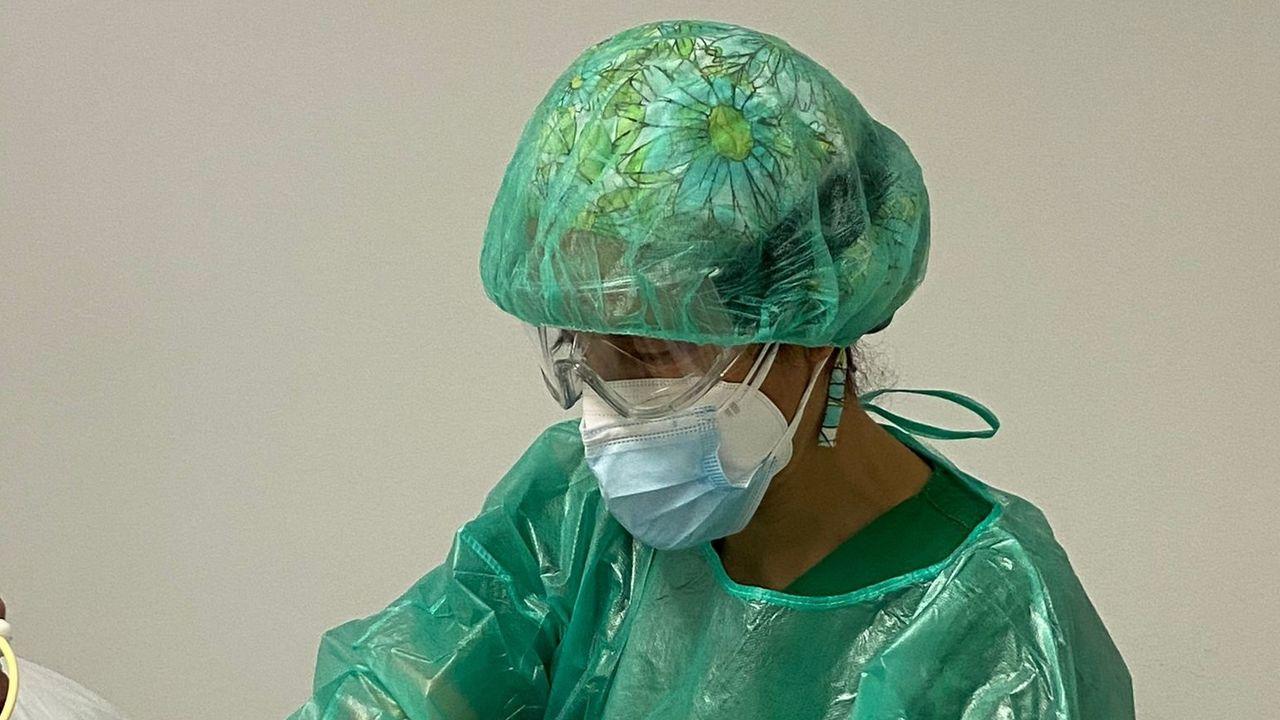 Esther Giménez Moolhuyzen, fisioterapeuta en unidad de reanimación- uci covid del Chuac
