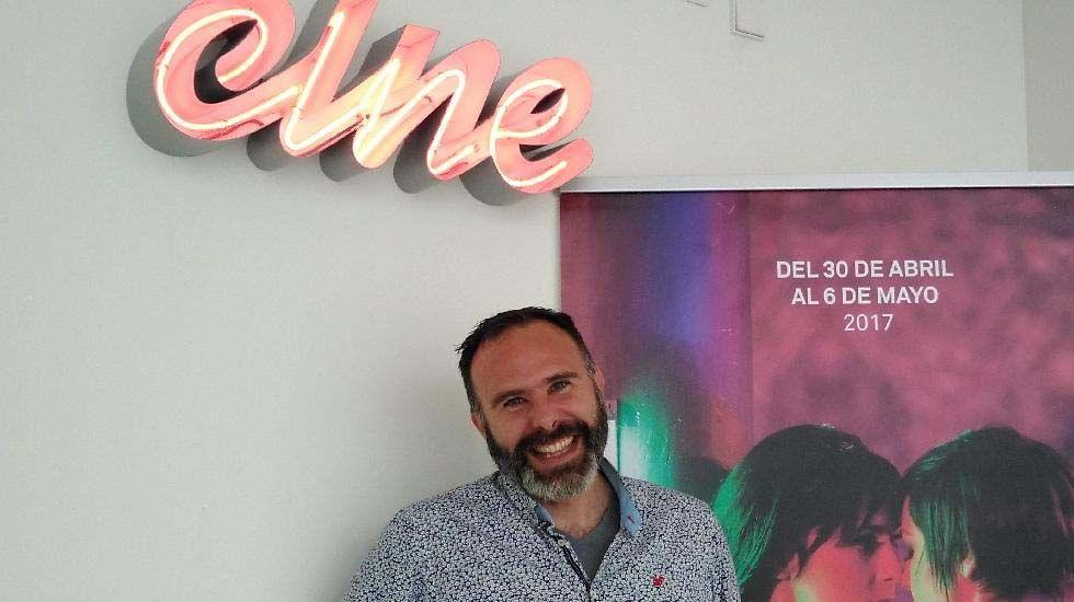 El bailarín y coreógrafo, Jose Xtravaganza.Borja Ibaseta, coordinador de actividades del Centro Niemeyer