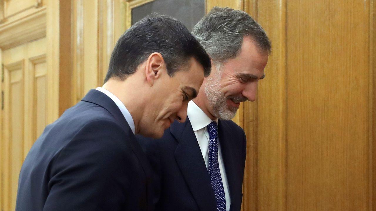 Juan Carlos I, una vida en imágenes.Felipe VI recibe a Pedro Sánchez en la Zarzuela