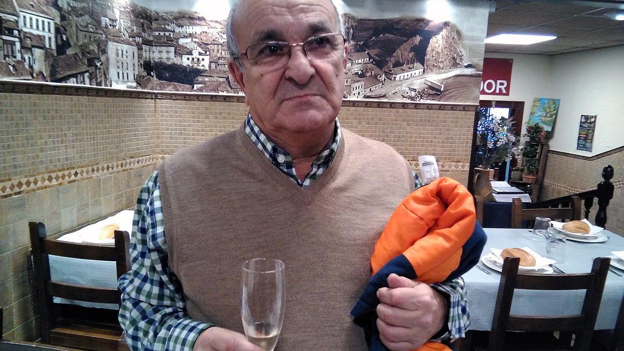 Gaspar Muñiz compró en Candás un décimo premiado en el sorteo de la lotería de Navidad.Gaspar Muñiz compró en Candás un décimo premiado en el sorteo de la lotería de Navidad