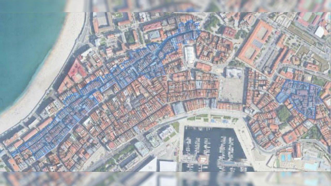 En azul, las zonas incluidas en la adquisición de inmuebles en el casco histórico de A Coruña