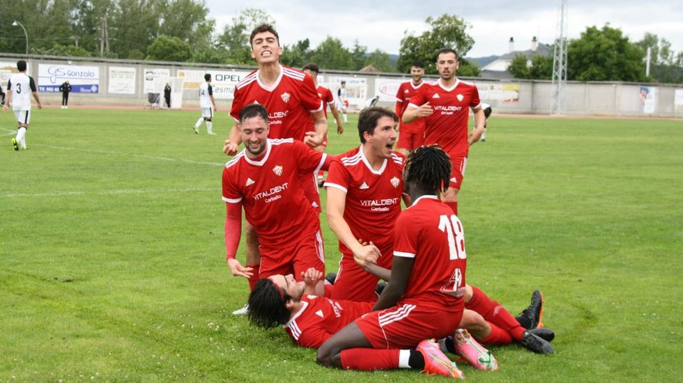 El equipo local no pudo pasar del 1-1 ante el Juvenil de Ponteareas