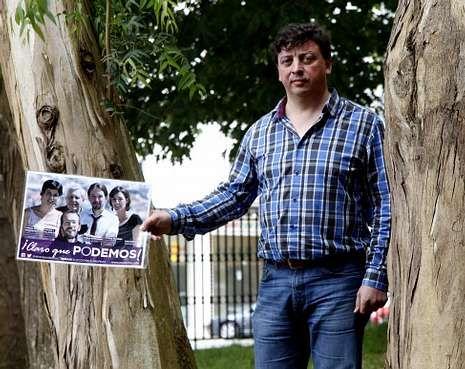 Riveiro Dieste fue uno de los pocos que hizo campaña en Barbanza a favor de Podemos.