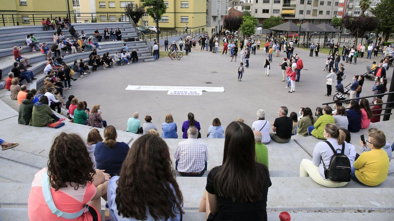 Concentración contra a violencia de xénero en Sarria
