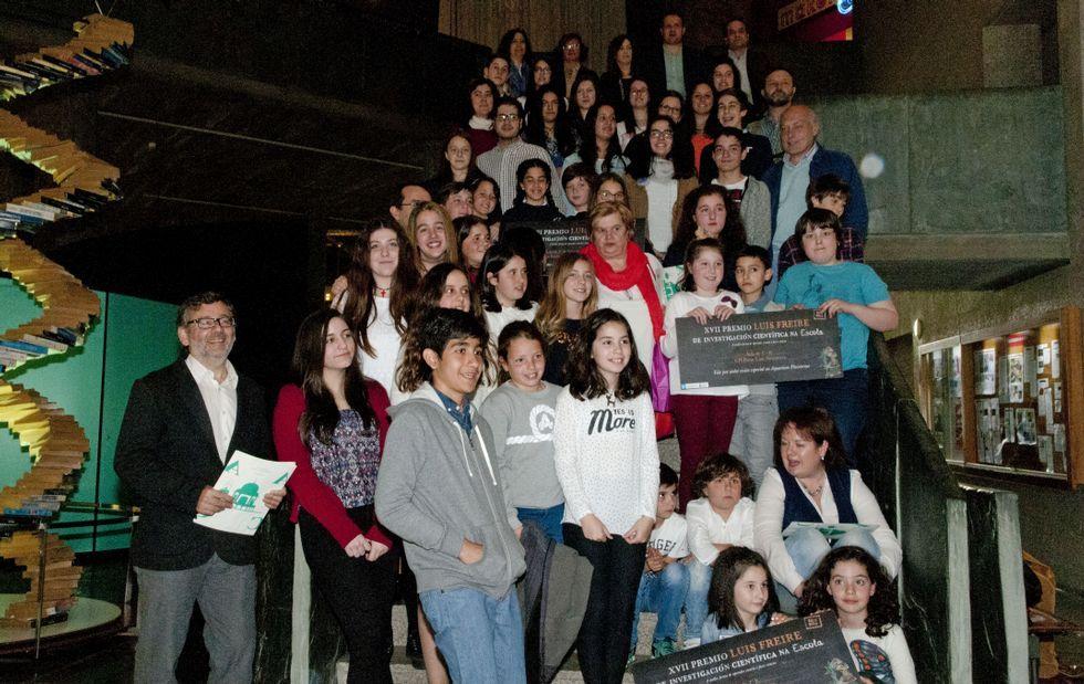 Alumnos del colegio Hijas de Cristo Rey pusieron en marcha una campaña para ayudar a un campo de refugiados en la frontera con Albania.