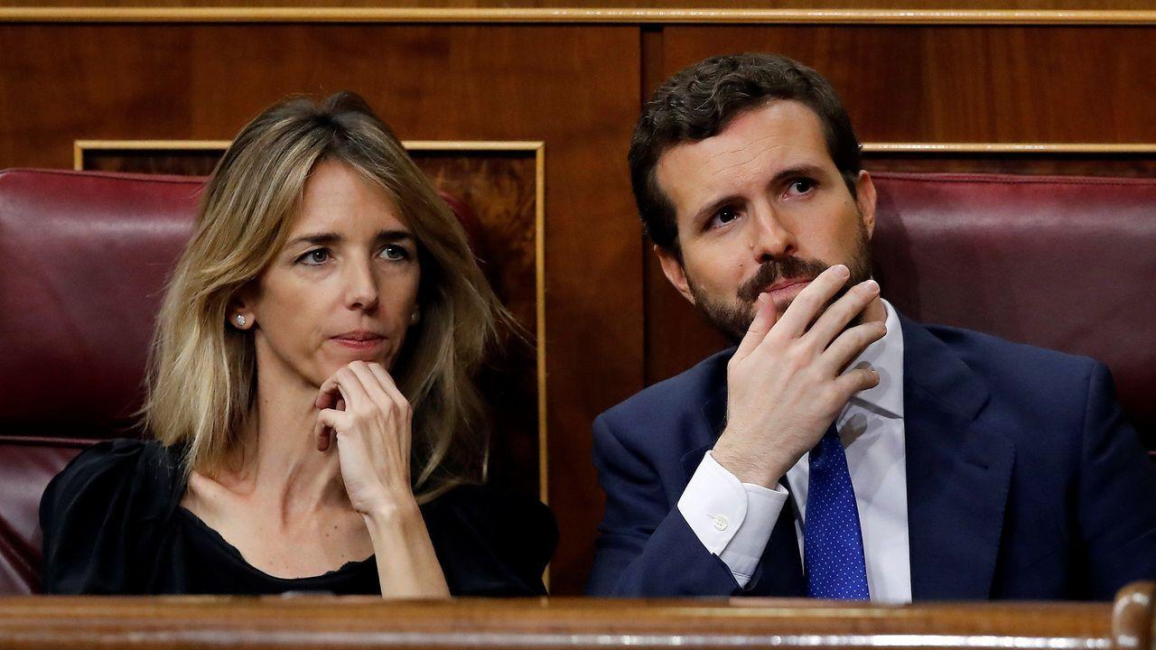La jornada definitiva de la sesión de investidura, en imágenes.Los populares Cayetana Álvarez de Toledo y Pablo Casado