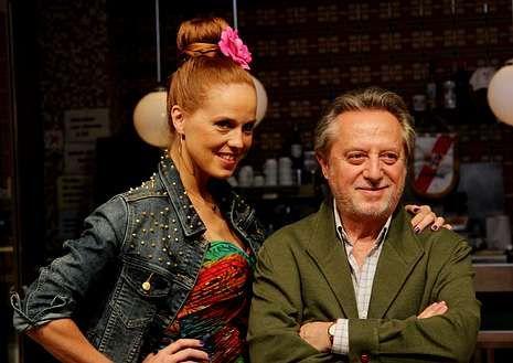 El ¿por qué no te callas? de la princesa Letizia durante el discurso del príncipe ante el COI.María Castro con el actor Manuel Galiana, en el set de «Vivo cantando».