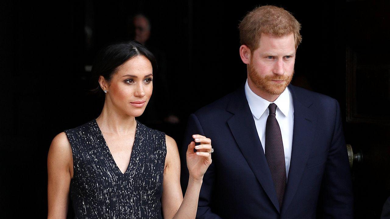 Meghan Markle tendrá que enseñar su vestido a Isabel II