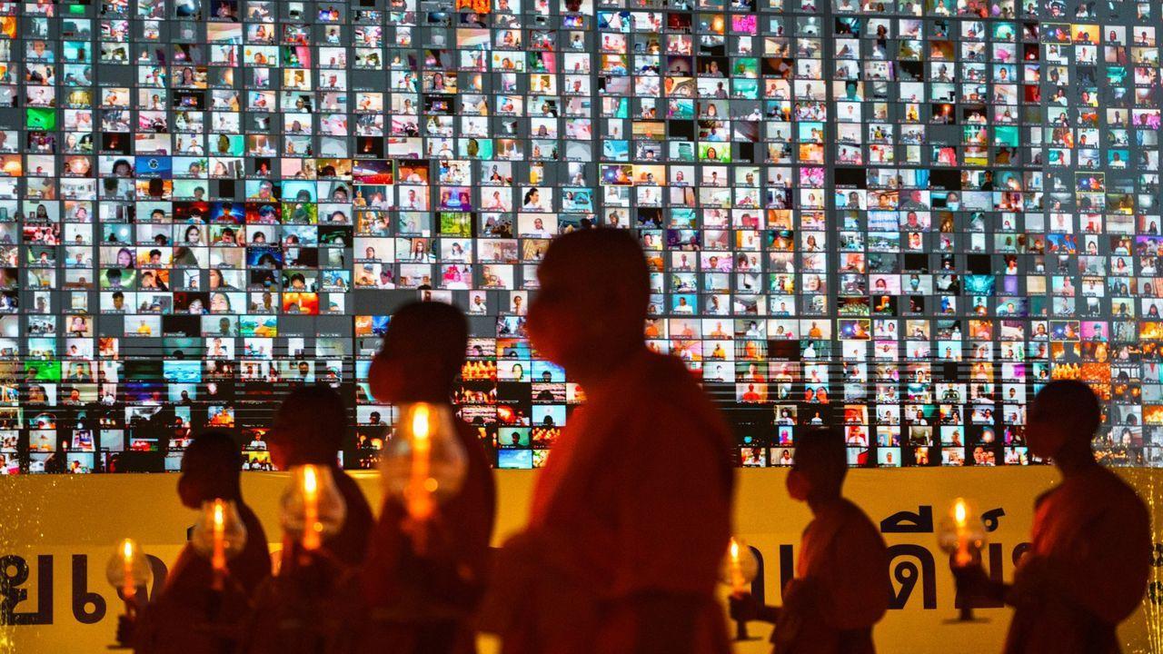 Las medidas anticovid llegan a una celebración de monjes budistas tailandeses en una conexión por Zoom