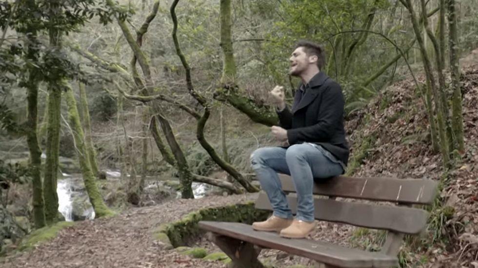 Vídeo de Diego Martín en la Ruta da Pedra e a Auga.Raquel del Rosario colgó una foto en la que aparece con sus pequeños