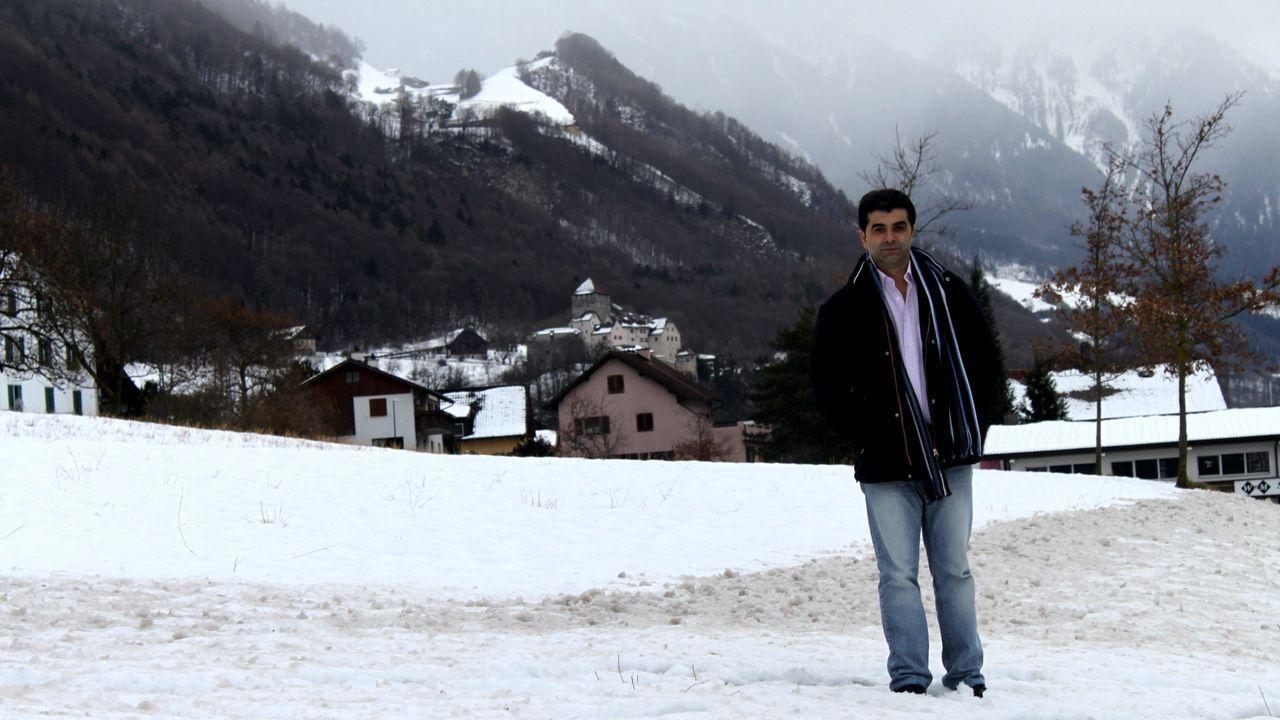 Manuel Figueroa, presidente del centro español, en un paraje cerca de Vaduz