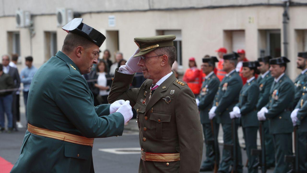 ACTO INSTITUCIONAL CASTRENSE DEL DÍA DEL PILAR.El subdelegado de Defensa, Gustavo Doncel, también tuvo la cruz de la Guardia Civil