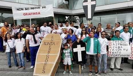 La plantilla protagonizó varias protestas ante la Xunta para reclamar su intervención.