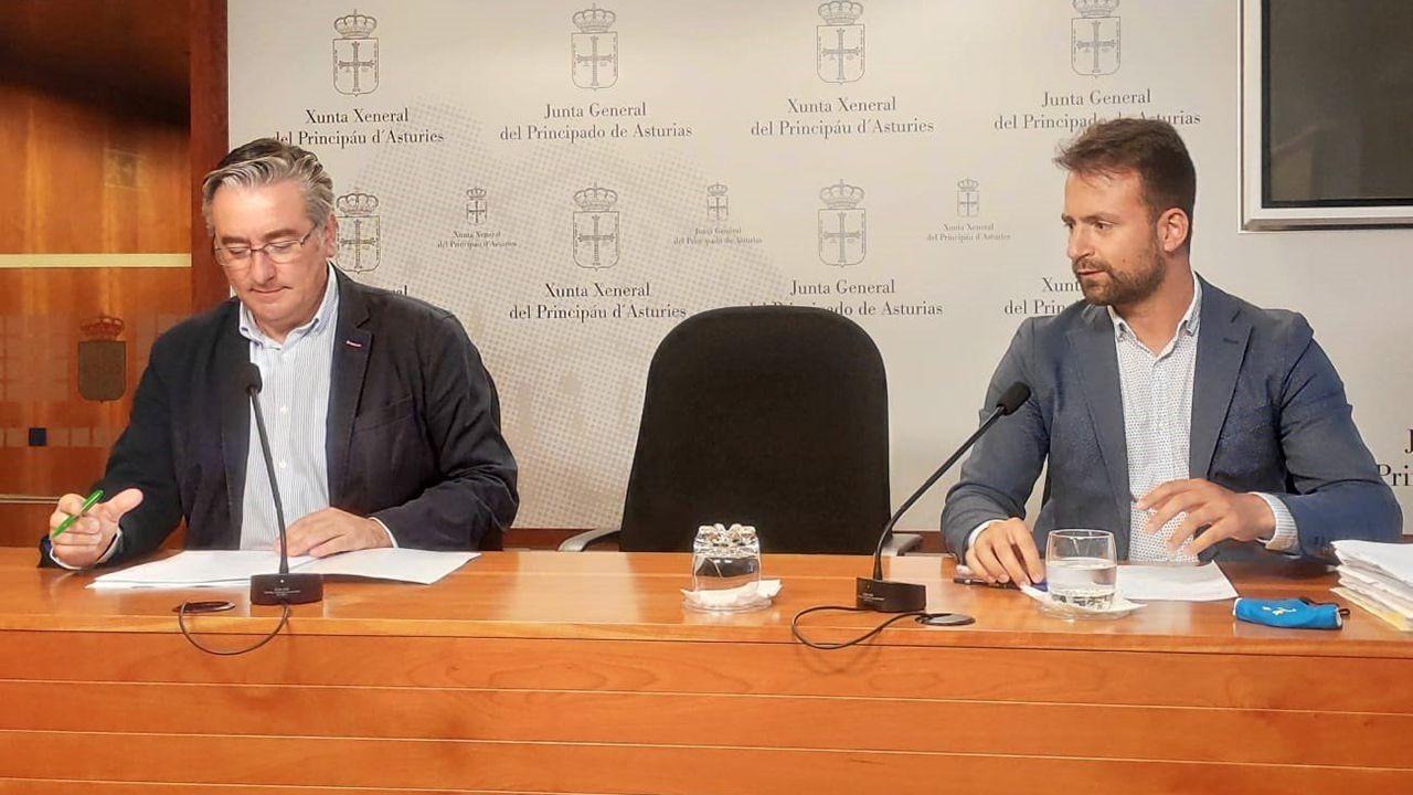 Pablo Junceda.Los diputados del PP en la Junta General Pablo González y Álvaro Queipo