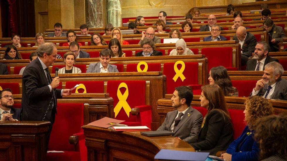 ¿Quién es quién en las elecciones catalanas?.Pere Aragonès, firmando el decreto de convocatoria de elecciones