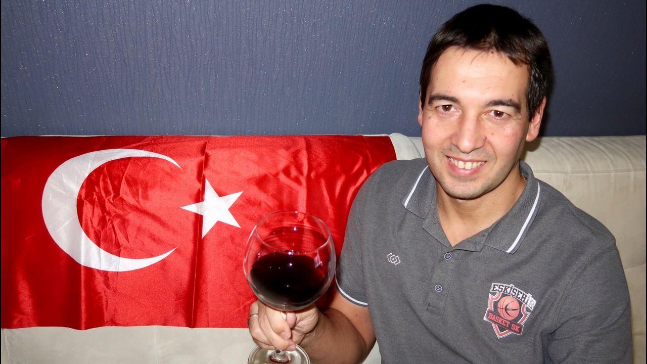 El entrenador Miguel Ángel Hoyo, desde Turquía